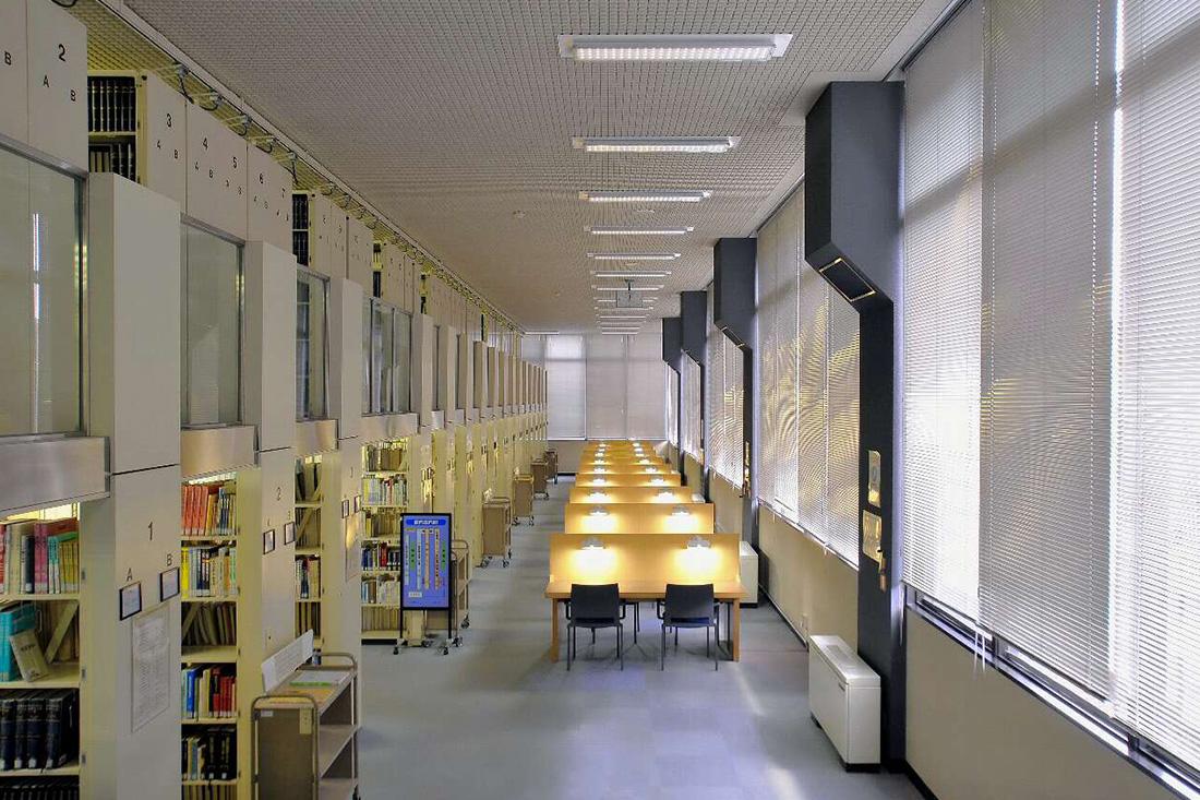 産業医科大学図書館